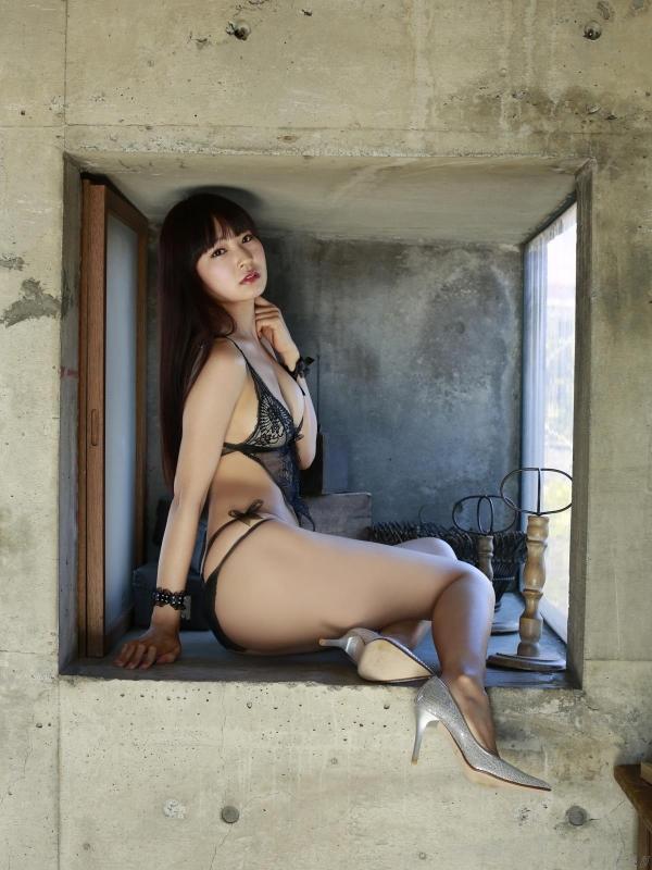 グラビアアイドル 仁藤みさき 過激 パンチラ画像 ヌード画像 美脚 エロ画像a028a.jpg