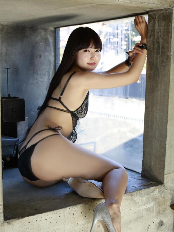グラビアアイドル 仁藤みさき 過激 パンチラ画像 ヌード画像 美脚 エロ画像a029a.jpg
