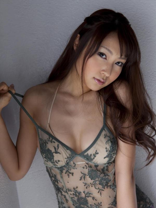 グラビアアイドル 仁藤みさき 過激 パンチラ画像 ヌード画像 美脚 エロ画像b002a.jpg