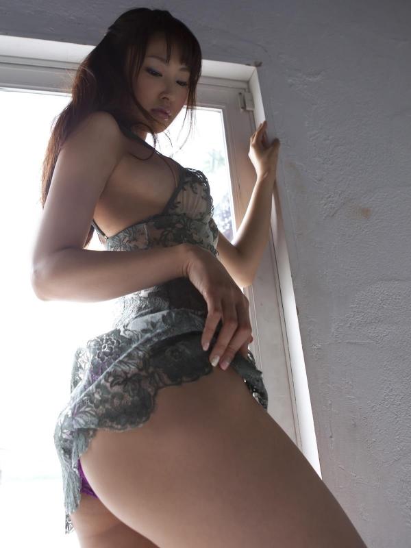 グラビアアイドル 仁藤みさき 過激 パンチラ画像 ヌード画像 美脚 エロ画像b006a.jpg