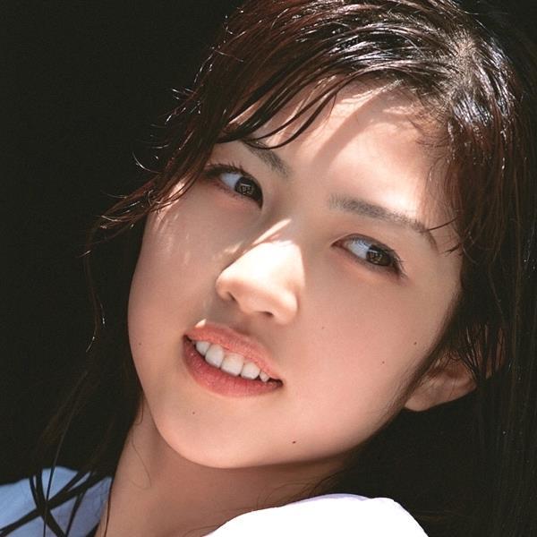 グラビアアイドル 富樫あずさ 過激 パンチラ画像 ヌード画像 美脚 エロ画像001a.jpg