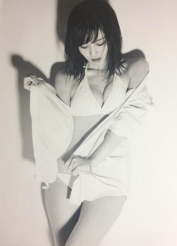 アイドル 山本彩 水着画像 ヌード画像 エロ画像079a.jpg