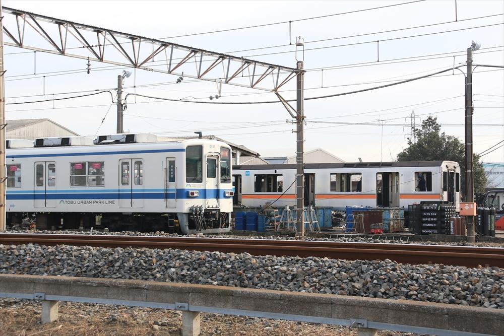 奥では銀座線01系の01-102Fが解体されていた