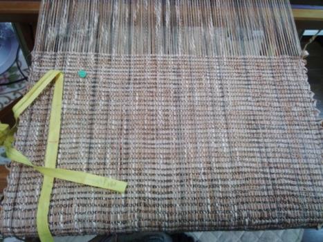 柿渋で織り始め