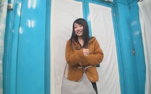 <マジックミラー号 >仙台で見つけた東北の美巨乳美女をナンパ!!MM号で簡単なインタビューだけ...