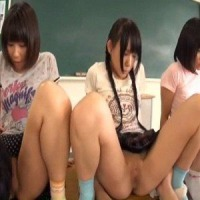>同級生の性器見せ合いっこ