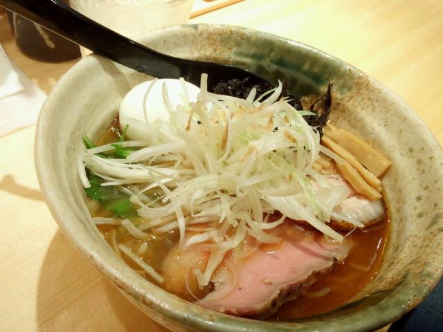 20150531新宿焼きあご塩らー麺 たかはし2