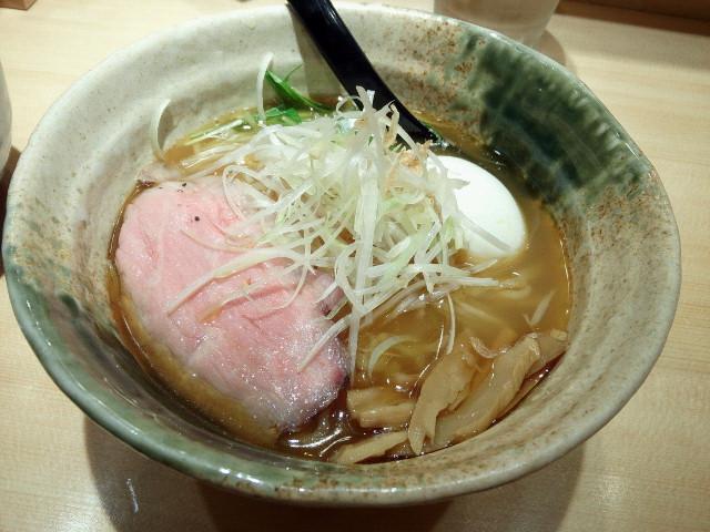 20150531新宿焼きあご塩らー麺 たかはし4