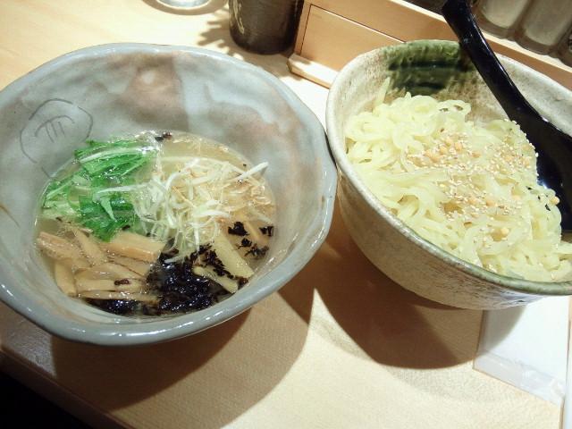 20150531新宿焼きあご塩らー麺 たかはし5