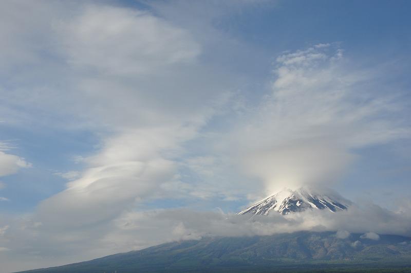 s-富士山雲の