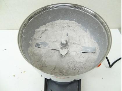 貝殻を粉末(パウダー)にする粉砕機