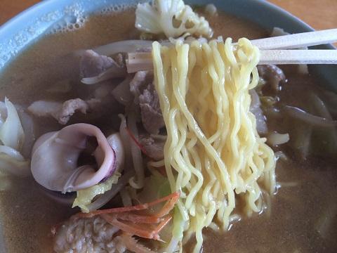 味噌タン麺アップ