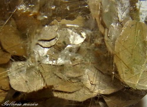雲母入り水晶4