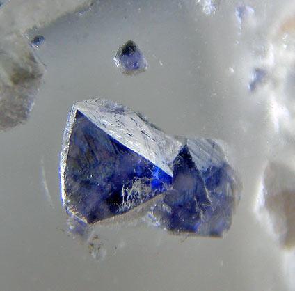 No.670 蛍石入り水晶