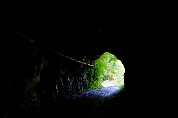 トンネル多し