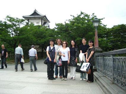 金沢城で集合写真