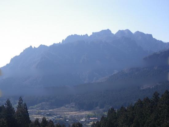 妙義山 右からバラ尾根 相馬岳 天狗岳 白雲山