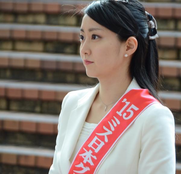 特別審査員のミス日本 芳賀千里さん