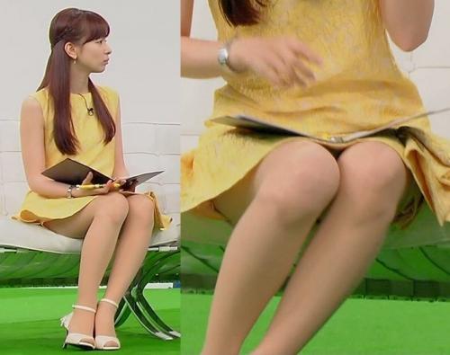 皆藤愛子、パンチラ覚悟のセクシーミニスカ衣装!太もも露わにした大胆な姿を見せて話題に