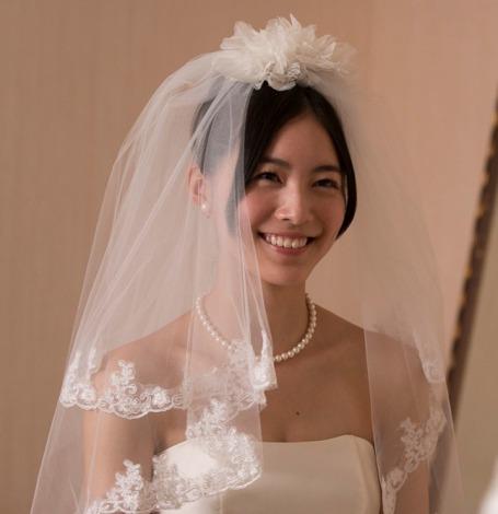 """松井珠理奈が""""七変化"""" ウエディングドレス、セーラー服、パジャマ、喪服姿も初披露"""