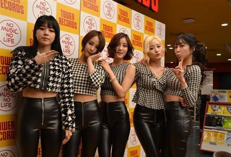 5人組グループTahiti、セクシーなミニライブに客席は大興奮-渋谷タワレコ