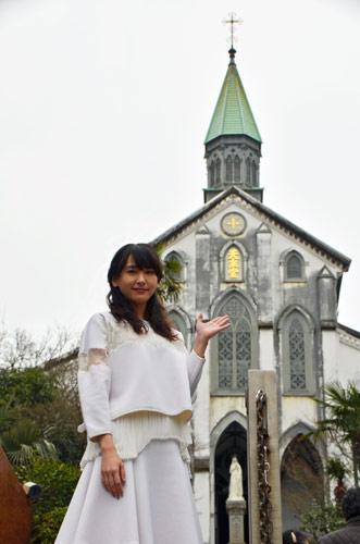 """ガッキー万感の大浦天主堂 長崎で""""凱旋""""舞台あいさつ"""