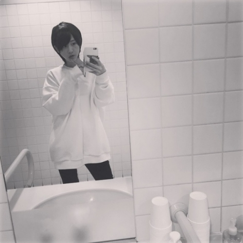 松井玲奈のショートヘアがカッコイイと好評。「惚れる」「付き合って!」と熱いラブコールも。