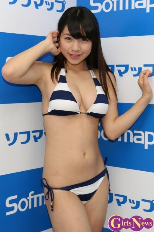 日本一スカートが短い女子高生グラドル 芹沢潤「パンツ見られても大丈夫ですよ」