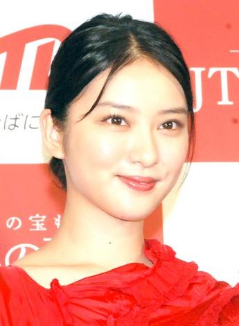 武井咲、EXILE・TAKAHIROとの熱愛報道を謝罪「お騒がせしています」「尊敬している方でまた共演したいです」