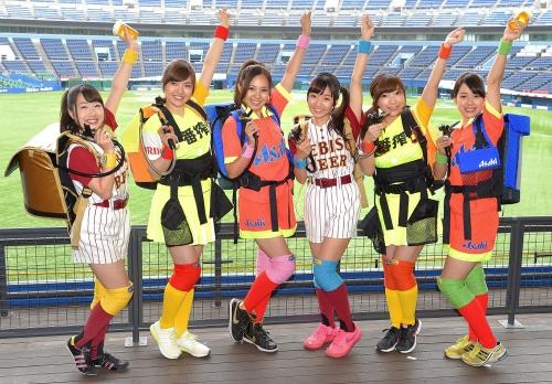 球界初の売り子アイドルグループお披露目 ロッテとエイベックスが手がける6人組「マリーンズ カンパイガールズ」
