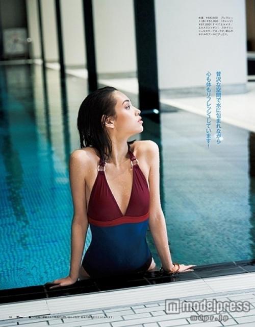 水原希子、水着姿で美ボディ披露 リフレッシュタイムを明かす