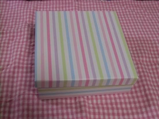かわいい紙の箱
