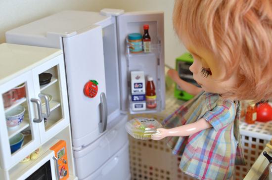 冷蔵庫に入れときまーす。