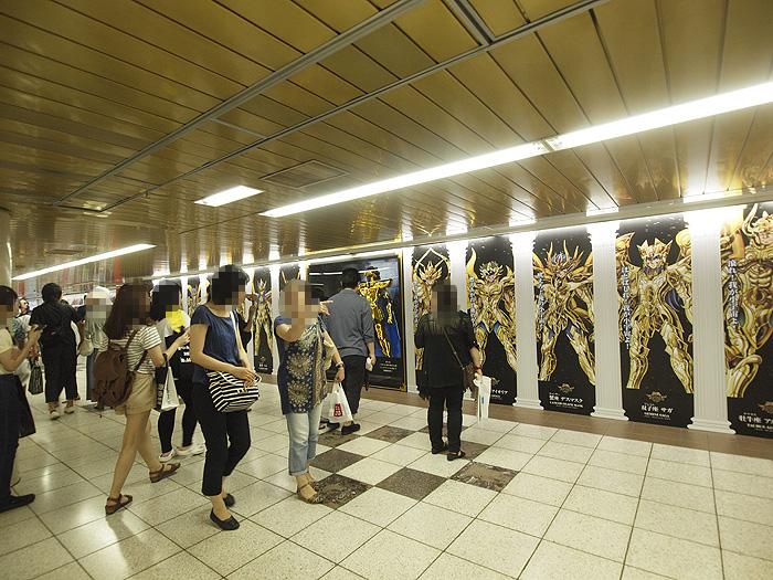 新宿駅ガンダム展広告 31