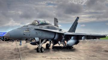 aF-18-3.jpg