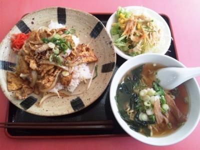 150311ニュー香蘭ブタ肉丼ミニ710円