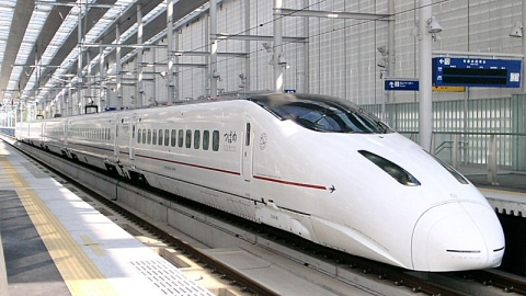 Kyusyushinkansen_type800_shinminamata.jpg