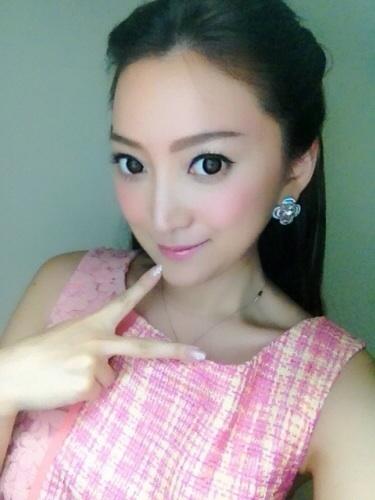 ブログに掲載された加藤綾菜の顔画像、画像修正された加藤綾菜