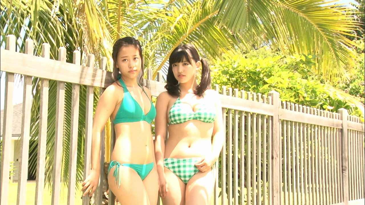 モーニング娘。'15、小田さくらと鈴木香音のビキニ姿