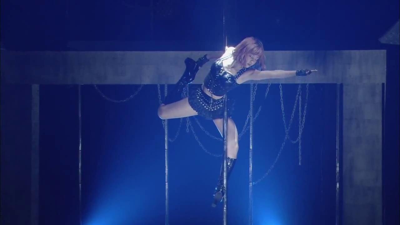 ℃-uteがコンサートでしたポールダンス