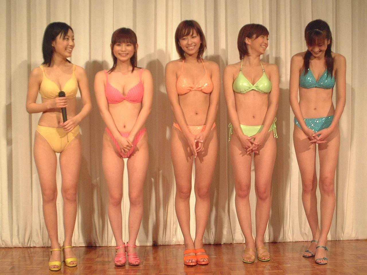 ミスマガジン2002の入賞者、安田美沙子・中川翔子ら