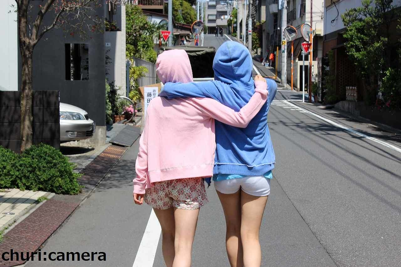 AKB48・木崎ゆりあのパン線が透けてしまってる後ろ姿
