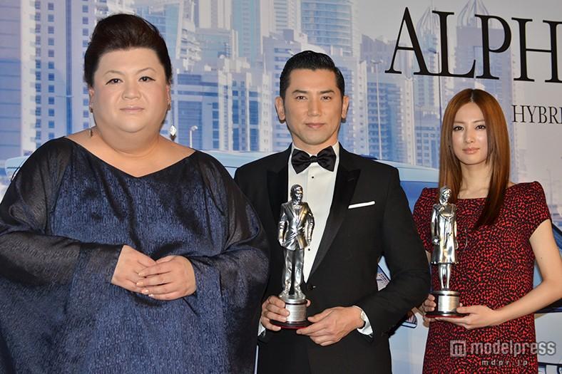 新型「アルファード」のイベントに出席したマツコ・デラックスと北川景子と本木雅弘