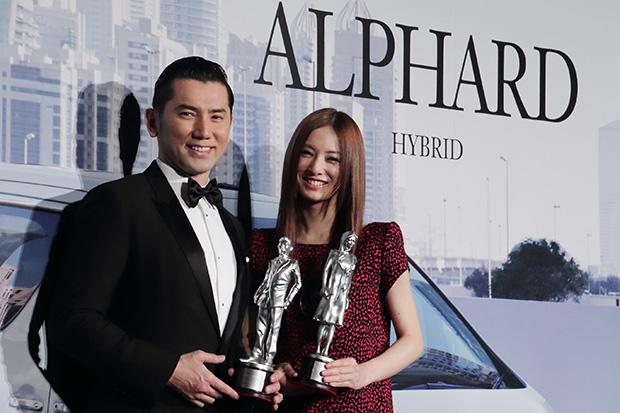新型「アルファード」のPRイベントに出席した北川景子と本木雅弘