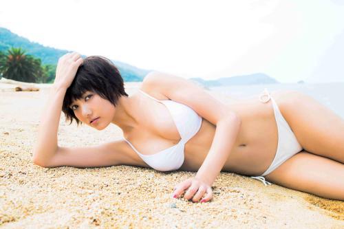 宮澤佐江写真集「涙の行方」画像、白いビキニ姿の宮澤佐江