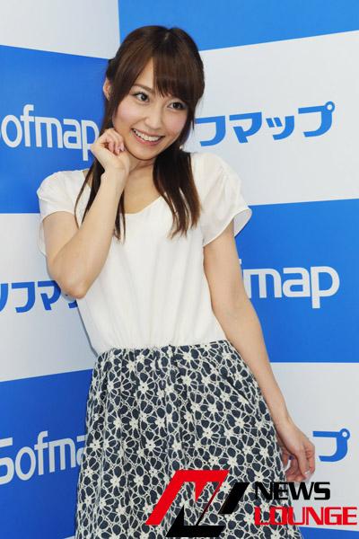 43歳でソフマップデビューした美人お天気お姉さん・中川祐子