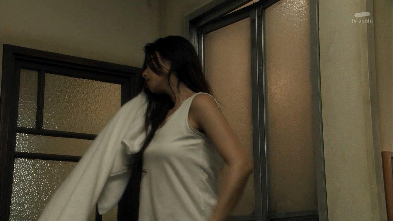 ドラマ「セカンド・ラブ」で風呂上がりの深田恭子