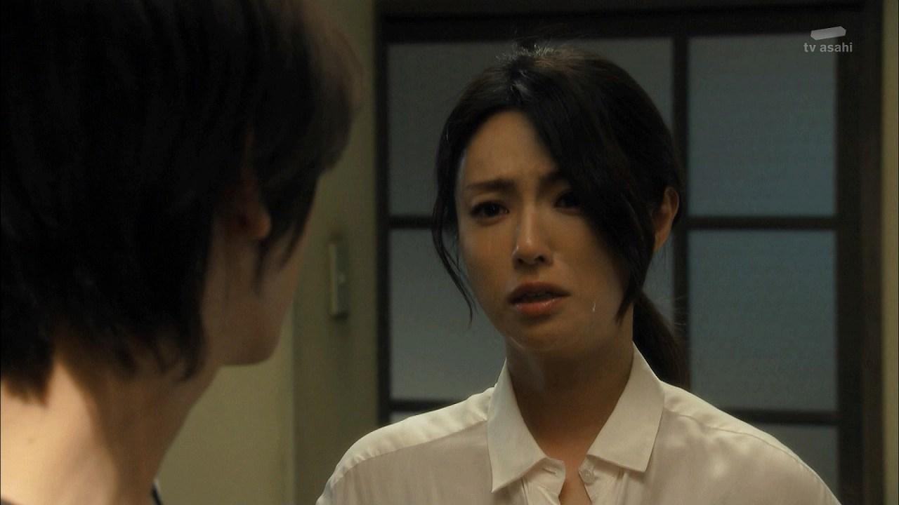 ドラマ「セカンド・ラブ」で泣く深田恭子