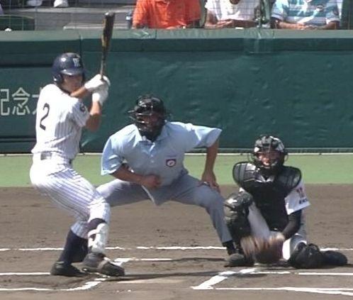 股間が膨らみ過ぎてる高校野球の審判