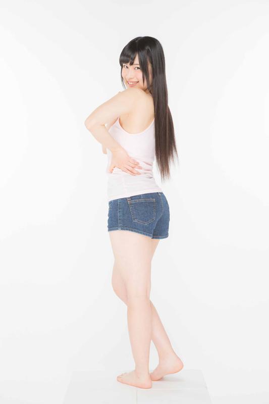 ノースリーブ、ショートパンツ姿のAKB48・田北香世子